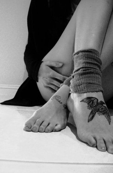 bird foot tattoo
