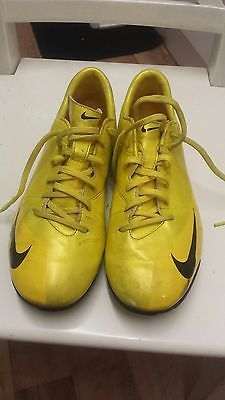 nike mercurial astro turf football trainers UK Size 5.5