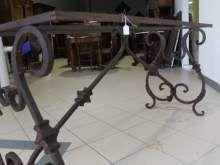 Tavolo in ferro battuto 1940 . Consolle Antica a ⤽Lira⤝
