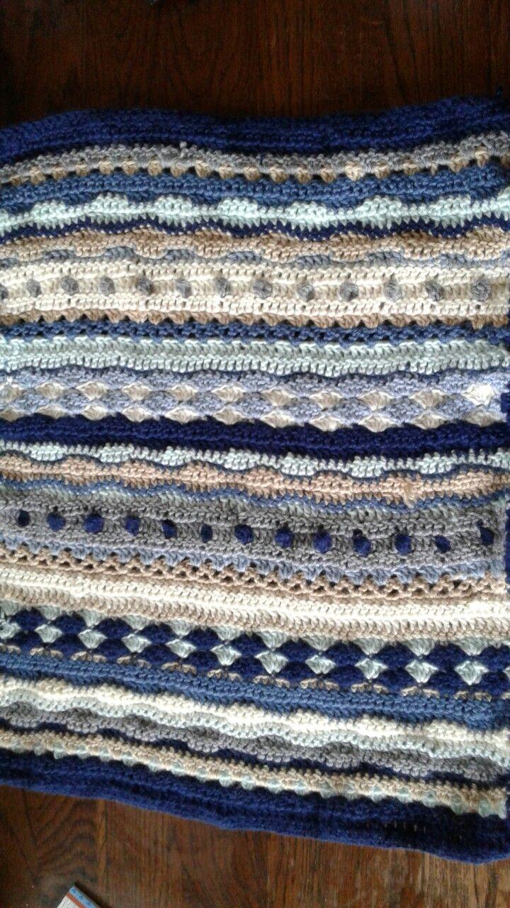 Crochet as-we-go stripey blanket for little boy 🙌 Pattern from Lanas de Anna