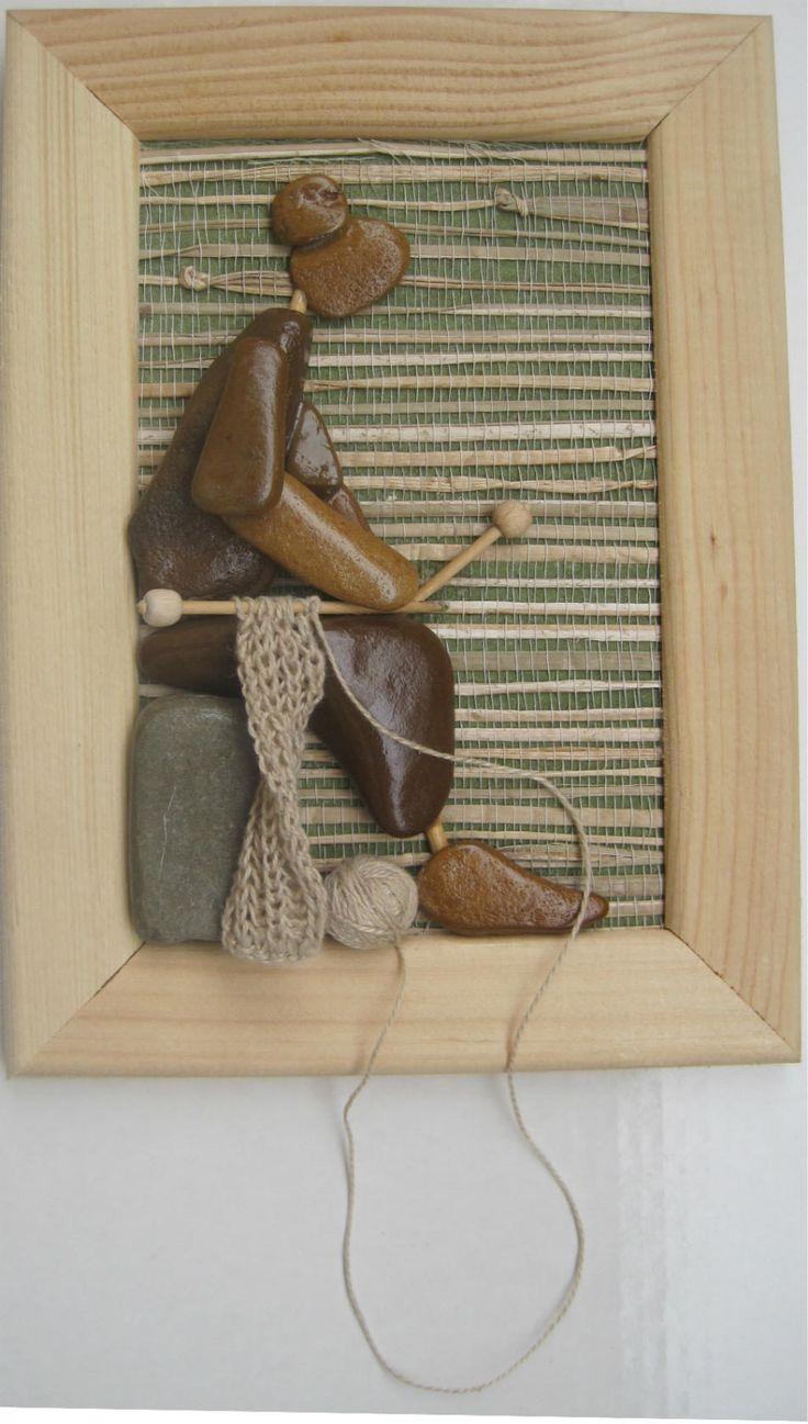 Автопортрет, из моего только клубок...да ножки. Моё хобби вязание и конечно картины из морских камушков
