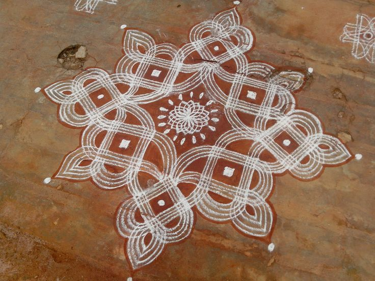 Four line kolam for auspicious days