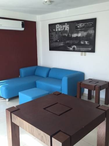 Departamentos Boca Del Rio Boca del R�o Offering accommodation with air conditioning, Departamentos Boca Del Rio is situated in Boca del R?o, 12 km from Veracruz. Chachalacas is 42 km from the property. Free private parking is available on site.