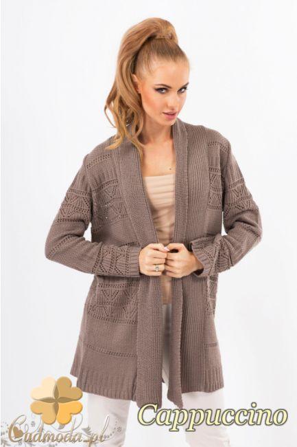 Narzutka damska z ażurowym wzorem firmy Makadamia.  #cudmoda #moda #styl #ubrania #odzież #swetry #clothes