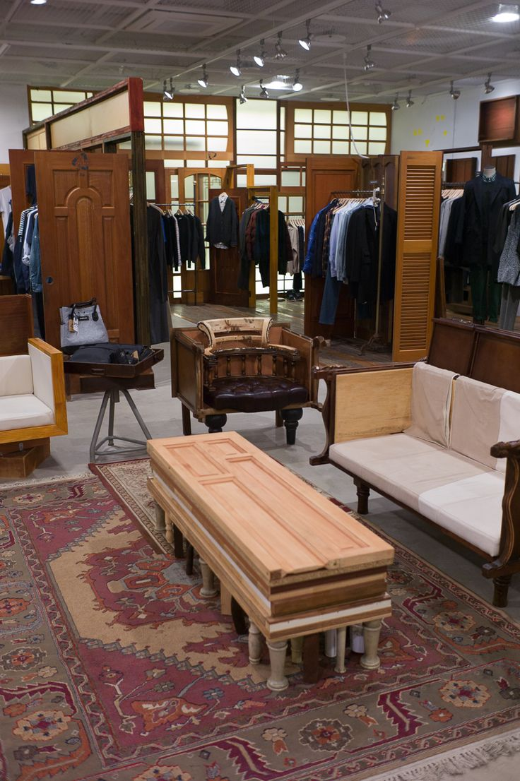 "BEAKER,Itaewon,Seoul,""Stocking US,European and local designers"", pinned by Ton van der Veer"
