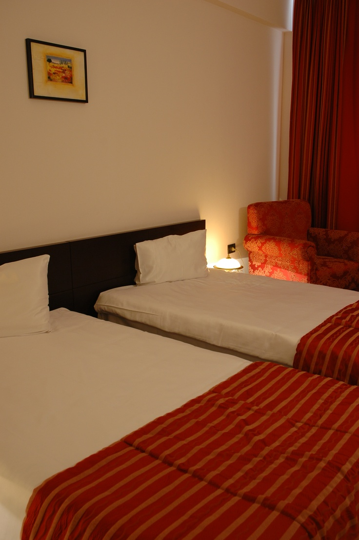 red twin beds room