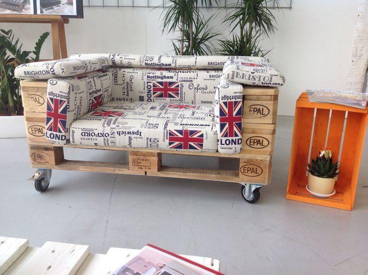 Zrób to sam, kanapa z palet, fotel z palet drewnianych, drewniane palety, meble z drewna. Zobacz więcej na: https://www.homify.pl/katalogi-inspiracji/18878/6-mebli-z-drewnianych-palet-ktore-mozesz-stworzyc-juz-dzis