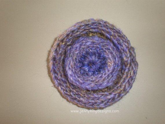 Crocheted Brooch pattern