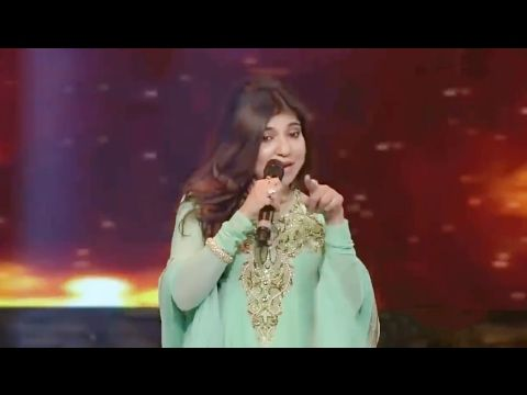 Alka Yagnik Live Performance | Bole Chudiyan Bole Kangna Song | Romantic Songs | Bollywood Songs - YouTube