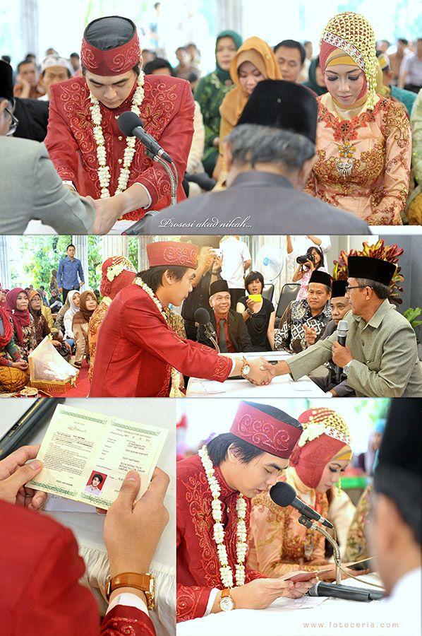 Prosesi Akad Nikah dan Pengucapan Janji Pernikahan ^^ .  Phone & WhatsApp: 0857 0111 1819 . #FOLLOW Twitter, LINE, Instagram: @fotoceria . PIN BB: 7 d 1 1 8 b 8 a . YM & email: foto.ceria@yahoo.com . Facebook: Foto Ceria . Website: www.fotoceria.com  . #fotoceria #couple #wedding #pernikahan #perkawinan #menikah #pengantin #fotografer #weddingphotographer #Purwokerto #Yogyakarta #Jogja #love #happy #romantic #AkadNikah #IjabQabul #IjabKabul #JanjiPernikahan #Masjid #CeriaLovers #SharePict