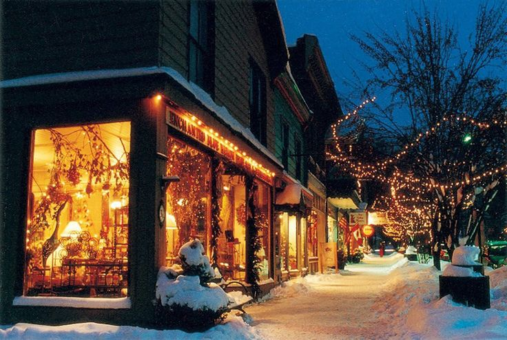 Charming Ellicottville, New York, is a big reason why Holiday Valley ski resort always ranks high in apres-ski activities on surveys of skiers and snowboarders. Photo courtesy of the Ellicottville Chamber of Commerce