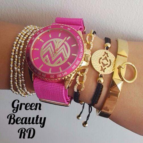 Crea tus propias #Combinaciones solo con #GreenBeautyRD Creadas con Pulseras y Relojes. Precios: Reloj: http://greenbeautyrd.com/…/reloj-macbeth-collection-rosado-1 Brazaletes 1: http://greenbeautyrd.com/…/produ…/brazalete-dorado-plata-926 2: http://greenbeautyrd.com/…/brazalete-cordon-negro-con-dorad… 3: http://greenbeautyrd.com/…/brazalete-cordon-negro-con-dorado 4: http://greenbeautyrd.com/…/brazalete-dorado-replica-michael… Recuerda: Domicilio Gratis!