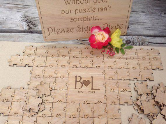 Livre d'or puzzle en bois et petits coeurs https://www.etsy.com/shop/NorthernOwlCreations