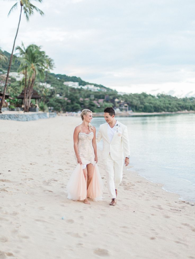 Candice and Neil's destination wedding in Kho Samui. Shot by Abby for The Barefoot Brunettes.