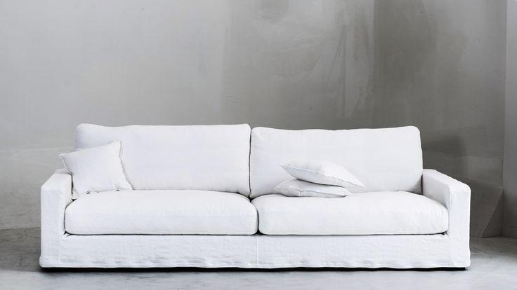 Vit Valen XL soffa avtagbar linneklädsel. Linne, soffa, djup, låg, dun, möbler, inredning, stor rymlig. http://sweef.se/sweef-lyx/507-valen-loose-linne-edition.html