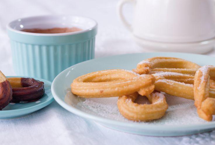 #Receta Churros Caseros, una elaboración que sorprende por su sencillez, acompáñalos de un chocolate a la taza caliente.