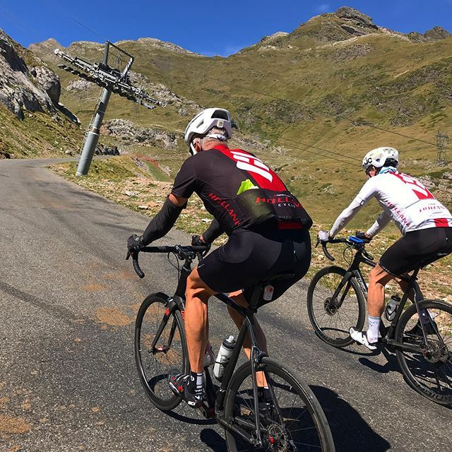 Never Ending Climb Cycling Pyrenees France Coldestentes Mountainroad Roadbike Cyclinglife Cyclingtour Cyclin Bike Tour Cycling Photos Cycling Tour