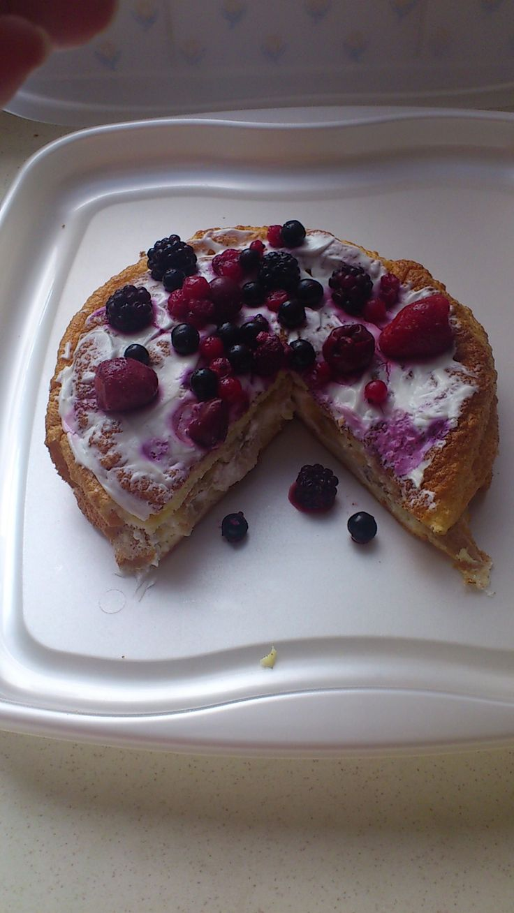 My favourite slimming world snack! 1/2 syn for the whole cake!!
