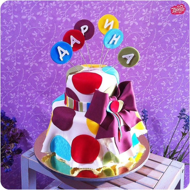 Торт в горошек с бантом
