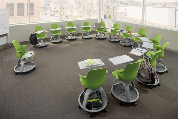 Stolička Node pre školské a konferenčné sedenie. Jednoduchá manipulácia na kolieskach, úložný priestor pod sedákom s PVC materiálu, ktorý je jednoduchý na údržbu. Odsúvateľný stolík pre jednoduché sedenie.