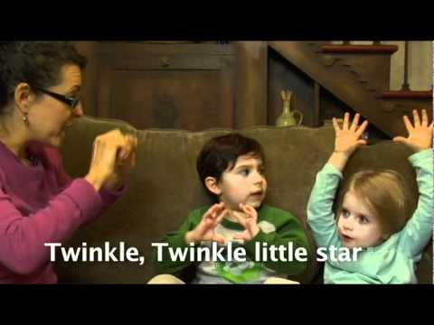 Twinkle Twinkle Little Star Song and Fingerplay: Demonstrated by moms and kids. (In English and Spanish!)