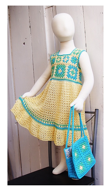 Granny Square Toddler Dress . . . I just LOVE this . . must design a newborn - 6…