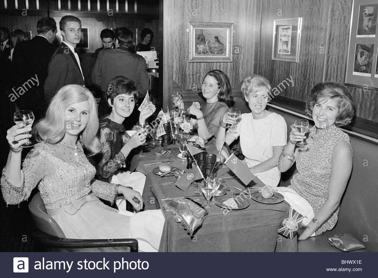 Download this stock image: Players wives 1966 World Cup Mrs Tina Moore wife of Bobby Moore Mrs Martin Petrs Mrs Geoff Hurst Mrs Ron Springett and Mrs - BHWX1E from Alamy's library of millions of high resolution stock photos, illustrations and vectors.