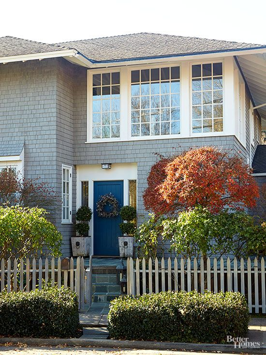 Exterior Color Combinations Done Right White Trim Exterior Color Combinations And Cobalt Blue