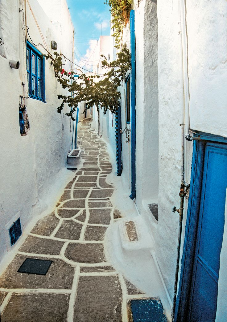 Streets of Chora Ios   Greece  https://www.liostasi.gr/