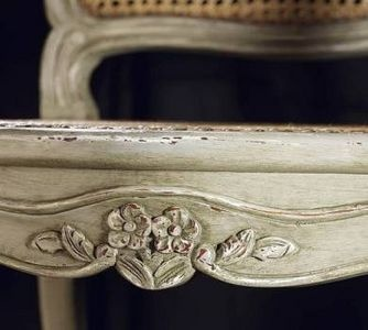 How to Antique-paint Furniture thumbnail