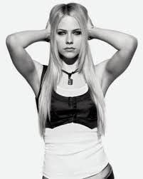 Image result for fotos de avril lavigne en blanco y negro
