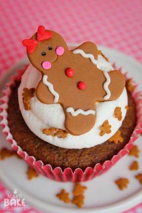 Gingerbread Oreo Cupcakes