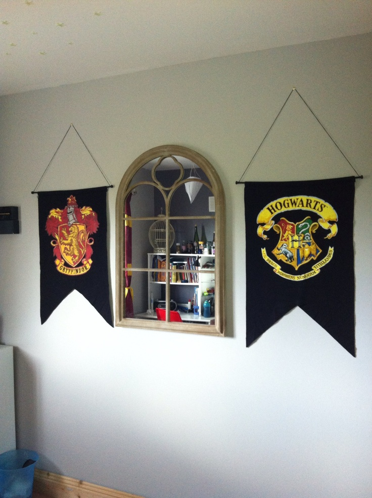 74 best harry potter themed rooms images on pinterest for Room decor harry potter