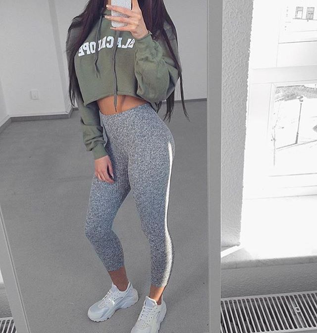Best 25 Grey Leggings Outfit Ideas On Pinterest Outfits