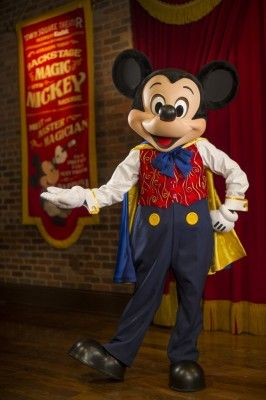 Now You Can Chat with Mickey Mouse at Town Square Theater in Magic Kingdom | http://www.chipandco.com/chat-mickey-mouse-town-square-theater-magic-kingdom-176058/