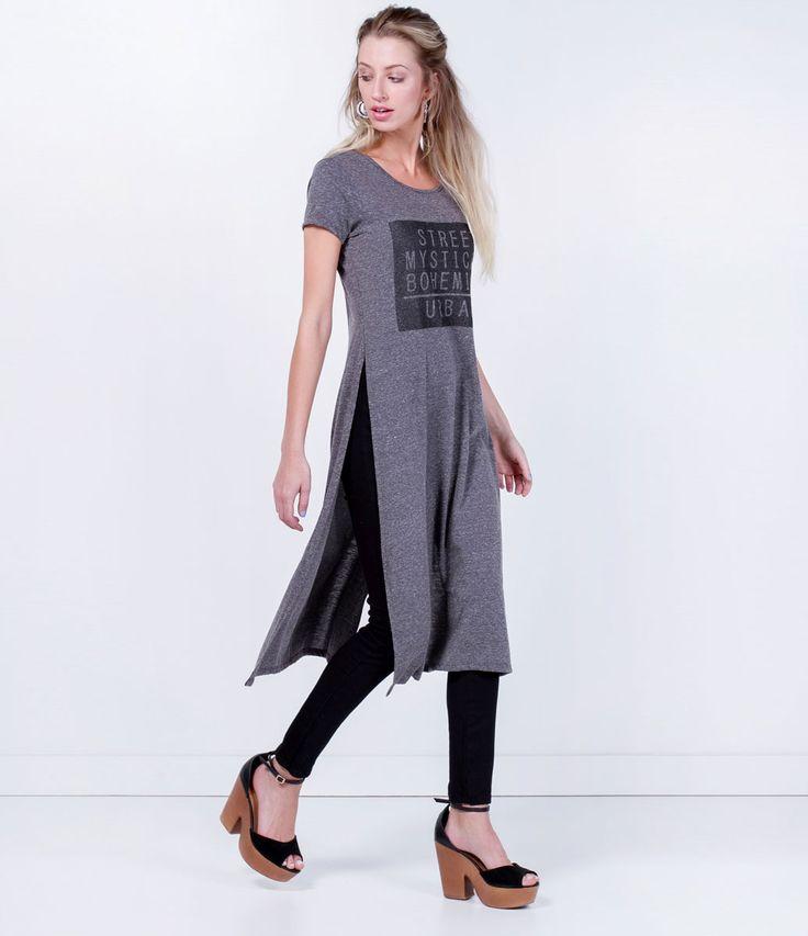 Blusa feminina  Manga curta  Modelo alongada  Estampada  Marca: Blue Steel  Tecido: malha  Modelo veste tamanho: P           COLEÇÃO VERÃO 2016         Veja outras opções de    blusas femininas.