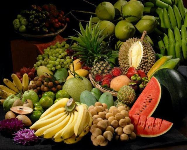 April Festivals Across Thailand - Rayong Fruit Festival  Small Festivities across Thailand  When: 30th April – 4th May 2017  Where: Rayong Eastern Thailand  This festival is the perfect place for fruit lovers and offers you the chance to enjoy the taste of fruit from all over Thailand.    There are also fruit procession, a Miss Fruit Orchard beauty pageant, a fun filled fruit eating competition, fruit basket arrangement competition, papaya salad cooking contest and cultural performances.