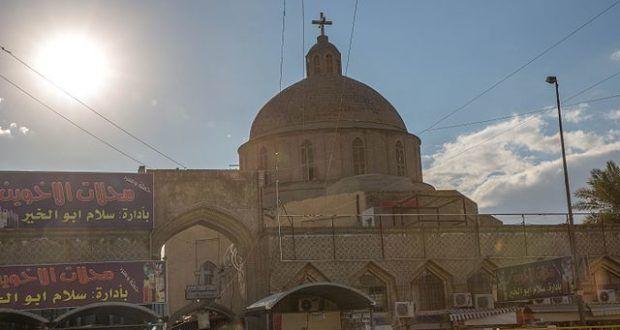 Mit Hinweis auf die zusammengepfuschte Verfassung wurde im Irak ein landesweites Alkoholverbot erlassen. Den Christen sagt man: Eure religiöse Tradition widerspricht unserer islamischen Verfassung. Verpisst euch, wenn es euch nicht passt.
