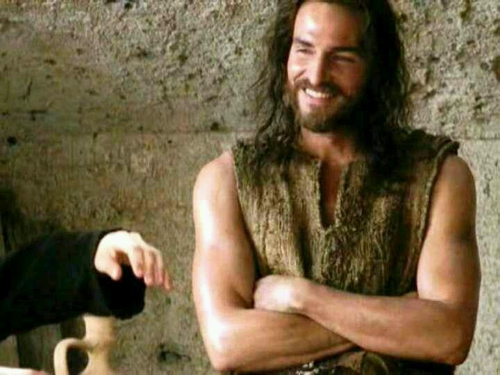 Jim Caviezel : Passion of the Christ... One of my favorite moments of the movie because Jesus smiles♥