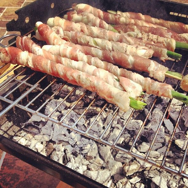 These are onions (scalions), wrapped with bacon strips and grilled...a delight...Mangia - Food in Palermo, Sicily