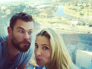 And when they pulled funny faces together during a Melbourne trip. | 19 Times Chris Hemsworth's Family Were Too Damn Cute In 2016