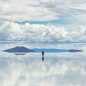365 WONDERS OF THE WORLD: #139  Salar de Uyuni, Bolivia is the largest salt flat in the world and a (UNESCO World Heritage Site). It's the legacy of a prehistoric lake that went dry, leaving behind a desertlike, 11,000-sq.-km.  Read more>>  http://www.travelstart.co.za/lp/la-paz/flights  #365wondersoftheworld #travelstart #bolivia #southamerica
