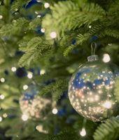 We hangen de kerstlampjes verkeerd in de boom (of doe jij 't wel goed?)