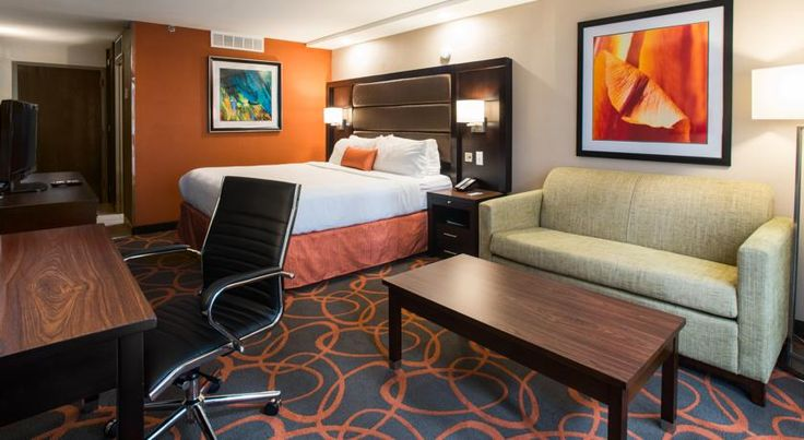 Atrium Hotel and Conference Center Alton This Alton, Illinois, inn is 5 miles to the Lewis and Clark Interpretive Center and 1 miles from Spencer T. Olin Golf Course.  Guests can enjoy the hotel's indoor pool. Free WiFi access is available throughout the entire property.
