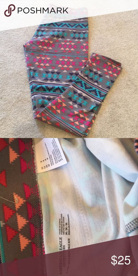 NWOT American Eagle leggings NWOT Fun Aztec print leggings from American Eagle. size medium regular. Perfect condition, never worn American Eagle Outfitters Pants Leggings