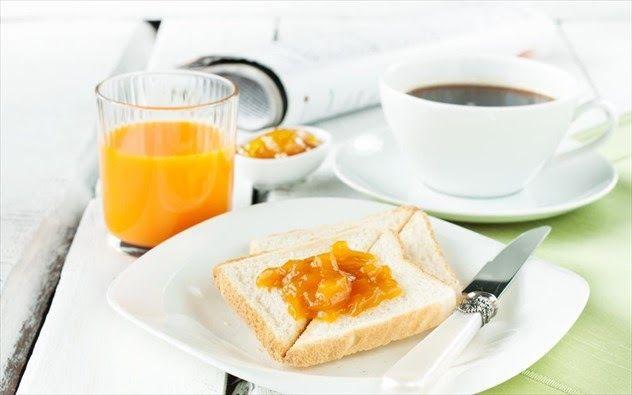 Εσείς πήρατε πρωινό σήμερα; Αν όχι φροντίστε να μην καθιερώσετε την παράλειψη του πιο σημαντικού γεύματος της ημέρας καθώς μπορεί έτσι να αυξήσετε τον κίνδυνο εμφάνισης καρδιακών παθήσεων.Υπάρχει ένας σημαντικά μεγάλος αριθμός πιθανών παρενεργειών που σχετίζεται με την παράλειψη γευμάτων ειδικά αν προσπαθείτε να διατηρήσετε ένα υγιές βάρος και μια γερή καρδιά. Παρ όλ αυτά ένας αρκετά μεγάλος αριθμός ανθρώπων δεν τρώει πρωινό με τους ενήλικες που το προσπερνούν να φτάνουν το 25% και τους…