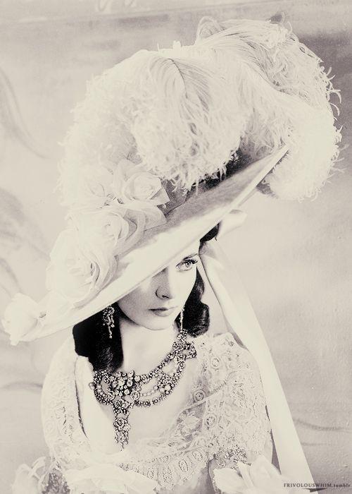 Vivien Leigh...     nar. 5.11.1913     Dardžiling, Západní Bengálsko, Britská Indie     zem. 7.7.1967     Londýn, Anglie, Velká Británie