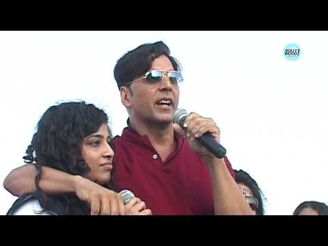 Watch Akshay Kumar dancing and having fun with his fans at a Marathon event.   For more Bollywood: Log on to http://www.businessofcinema.com/ Facebook: http://www.facebook.com/Businessofcinema Twitter: http://www.twitter.com/BOCLive