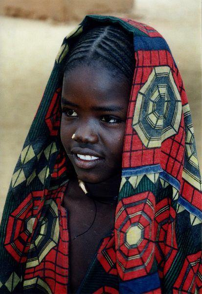 Africa | Tuareg girl.  Niger | ©Kirsten G.