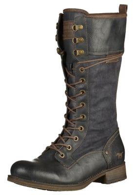 Bottes à lacets Mustang Bottes à lacets - black noir: 84,95 € chez Zalando (au 10/10/16). Livraison et retours gratuits et service client gratuit au 0800 797 34.